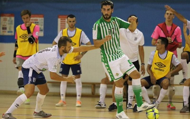 Emilio Buendía en un partido con el Betis Futsal