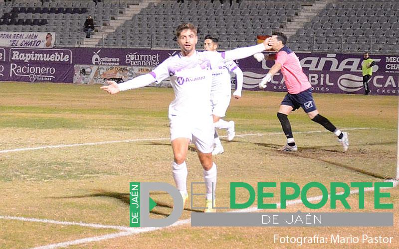Juan Carlos celebra un gol del Real Jaén