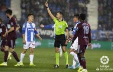 El colegiado murciano arbitrará el duelo entre blancos y babazorros. Foto: La Liga.
