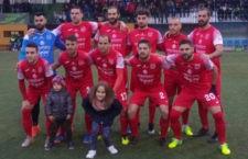 Mancha Real y Torreperogil empatan sin goles en un derbi marcado por la lluvia