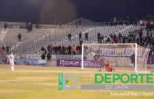 Los penaltis arrebatan al Real Jaén la ilusión de la Copa del Rey