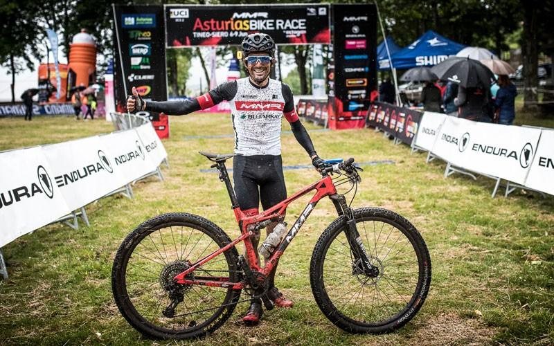 Triki Beltrán en su participación en la Asturias Bike Race