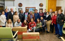 Donación solidaria de alumnos de la UJA a Aprompsi tras participar en la San Antón