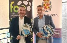 Convenio entre Ayuntamiento y FAP para la celebración de nueve torneos de pádel