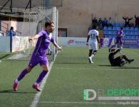 El Real Jaén vence al Vélez CF y vuelve al cuarto puesto