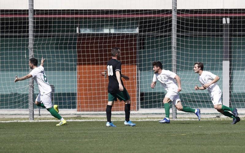 adri paz, del torredonjimeno, celebra el gol con la selección andaluza