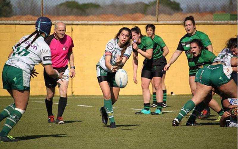 Blanca Ruiz en un partido con el equipo femenino de Jaén Rugby