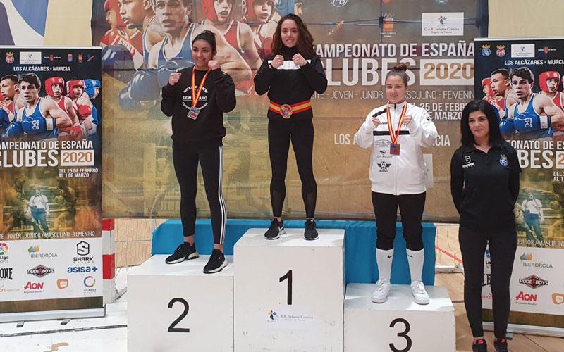 podio de una de las categorías del campeonato de españa de clubes de boxeo olímpico