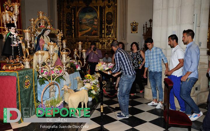 Ofrenda floral a la Divina Pastora