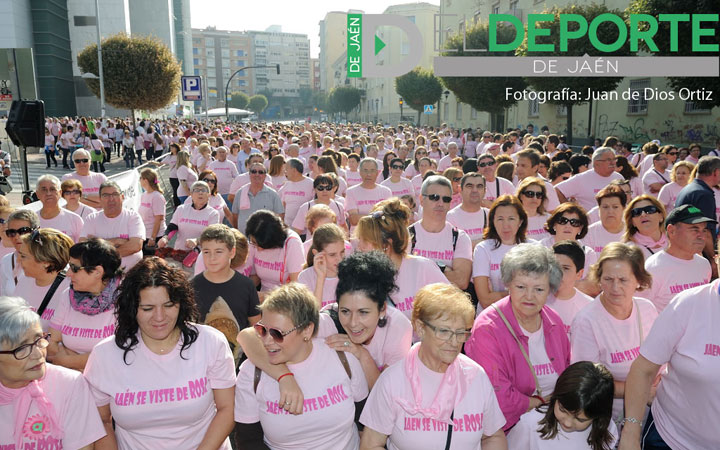 Jaén se vistió de rosa para luchar contra el cáncer de mama