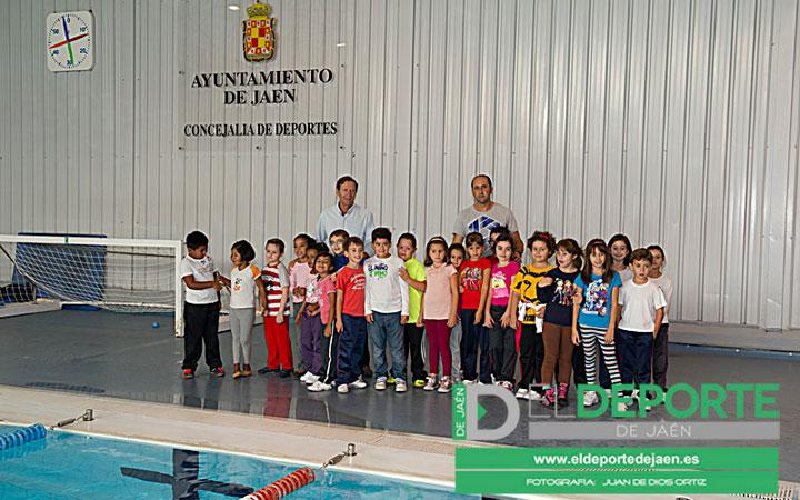 Un total de 650 jóvenes participan en las Escuelas de Natación