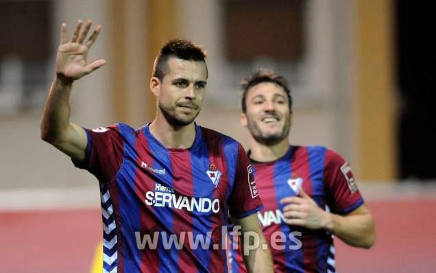 Manu del Moral anota por segunda jornada consecutiva con el Eibar
