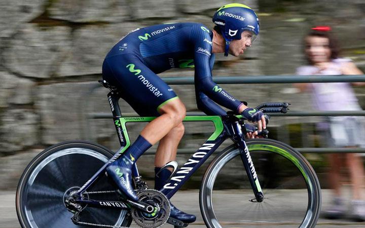 El jiennense Javi Moreno se impone en la contrarreloj de la primera etapa de la Vuelta a Andalucía