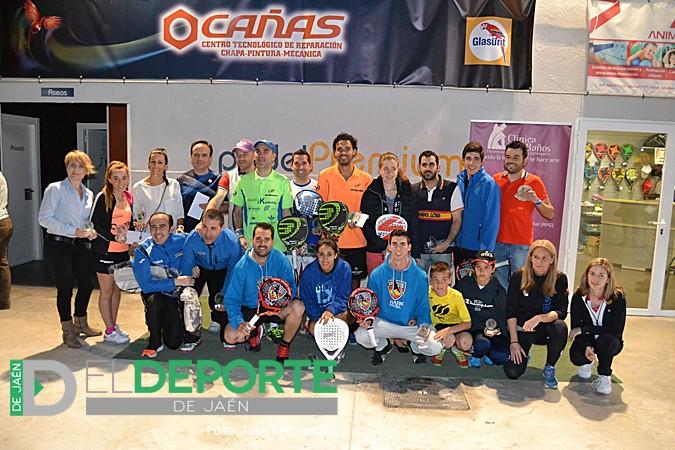 Entrega de premios a los campeones del Open Oro 'Trofeo Clínica Luis Baños'