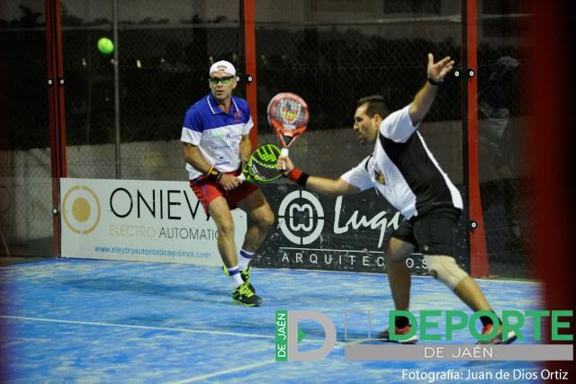 Blas Serrano y Miguel Benítez durante su actuación en el Open Oro Club Padel Alcaudete. Foto:
