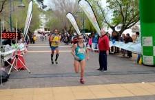 Eva Arjonilla y Mohamed Larbi vencen en la Carrera Popular de Vilches