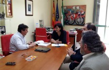 La Federación Andaluza de Bolos presenta sus programas a la directora general de Deportes de Andalucía