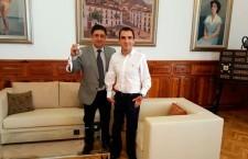 Reyes recibe a Martínez Tajuelo, que participará en los Juegos Paralímpicos de Río