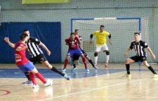 El Atlético Mengíbar roza la victoria en Tenerife