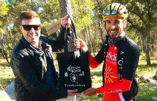 El cliclista Luis Ángel Maté visita Mancha Real para examinar la Vuelta a Andalucía