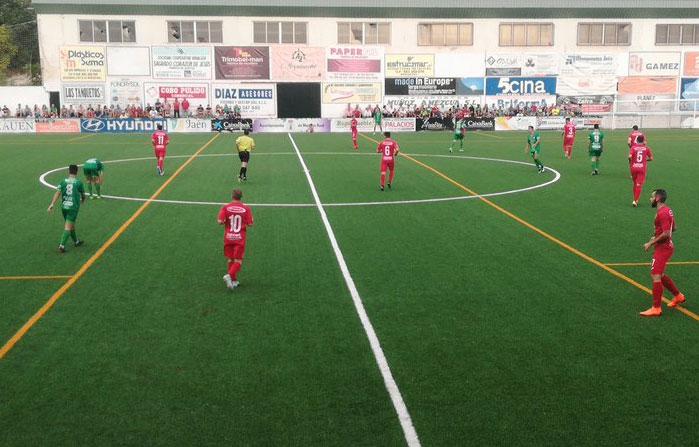 El Atlético Mancha Real se lleva el duelo provincial ante el Torreperogil