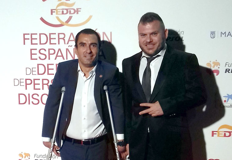 Los iliturgitanos Miguel Ángel Martínez Tajuelo y Simón Cruz en la Gala del 50 aniversario de FEDDF.
