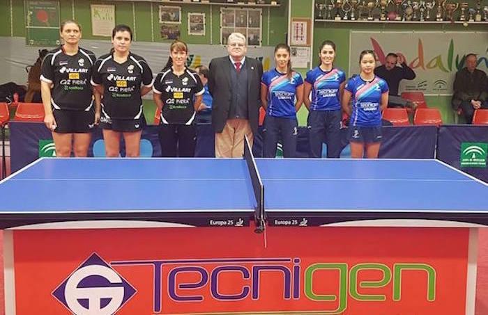 El Tecnigen Linares y el Balaguer antes de empezar el partido en la sala Felipe VI de Linares