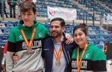 Los tres jiennenses lucen las medallas conseguidas con Andalucía. Foto: FAB Jaén.