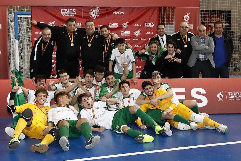 La seleccion andaluza Sub-19 celebra el triunfo tras conquistar el Cameponato de España de Fútbol Sala