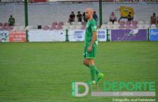 Óscar Quesada vestirá de verde una temporada más