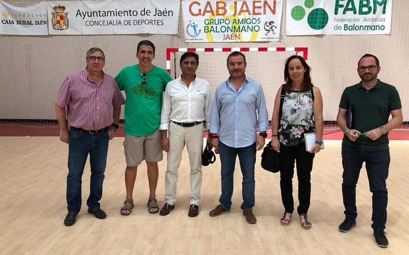Autoridades del Ayuntamiento de Jaén visitan los pabellones