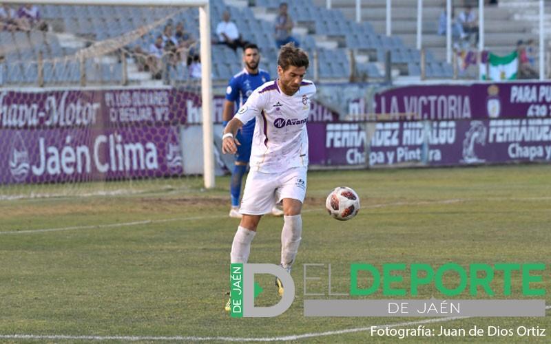Javi Pérez en un partido con el Real Jaén