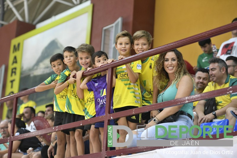 Aficionados del Jaén FS en Martos