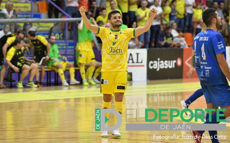 Dani Martín celebra un gol del Jaén FS
