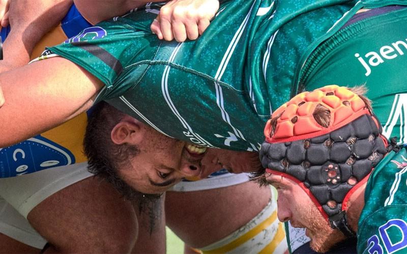 Jugadores de Jaén Rugby en una melé