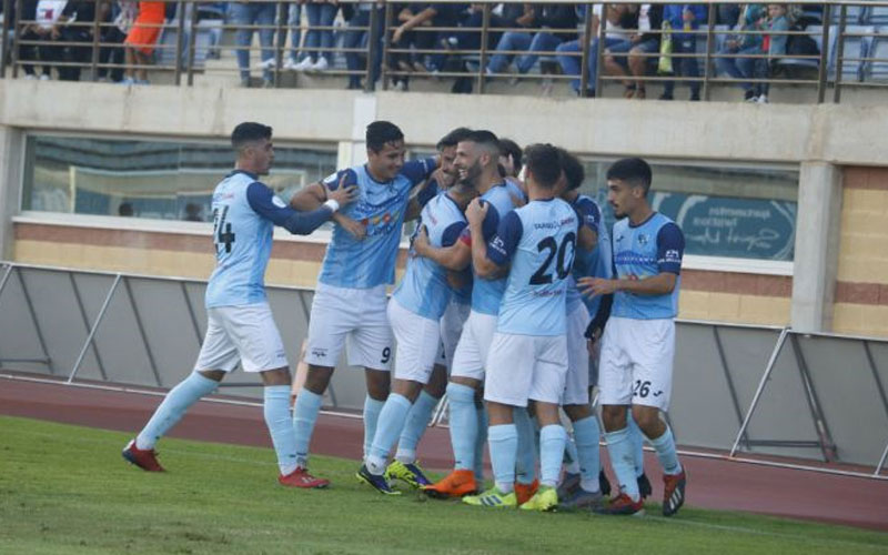 Jugadores del CD El Ejido celebran un gol