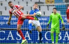 Carlos Hernández tuvo que enfrentarse a Stuani. Foto: R. Oviedo.