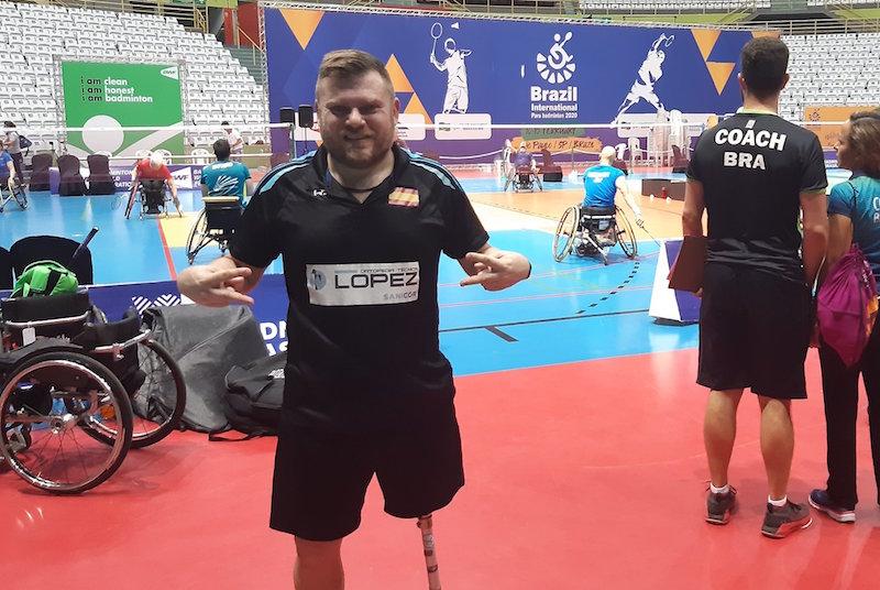 simón cruz badminton