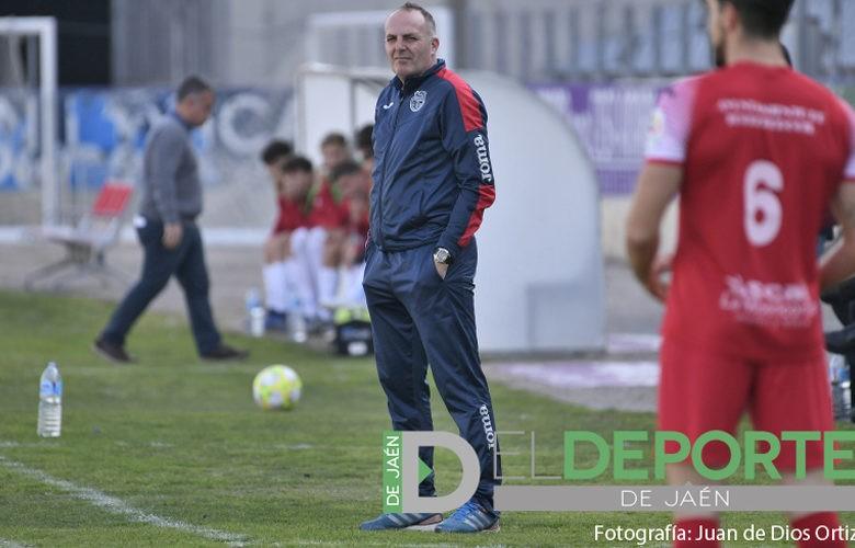 Torres seguirá al frente del CD Torreperogil una temporada más