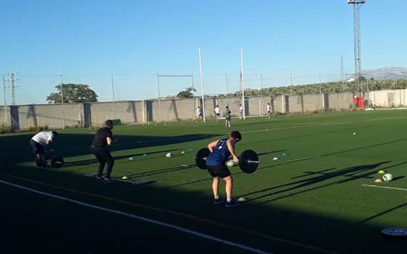 jugadores del jaén rugby entrenando en las lagunillas