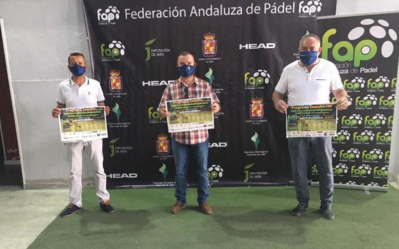 autoridades en la presentación del torneo de pádel internacionales andalucía abs 600