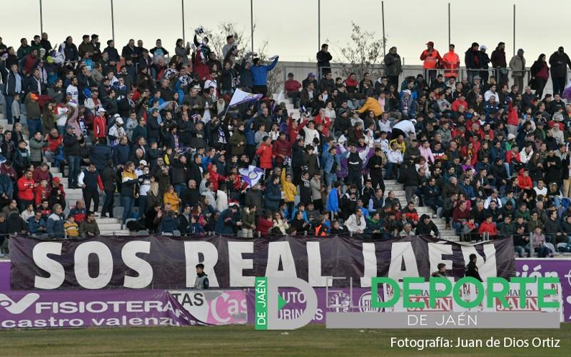 aficionados del real jaén en el estadio la victoria