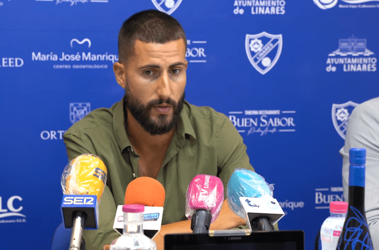 Rosales seguirá en el Linares Deportivo como ayudante técnico