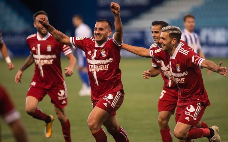 elady celebra un gol con el cartagena