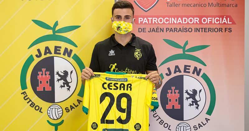 césar velasco en su presentación con el Jaén FS