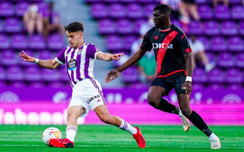Aguado deja atrás el Covid-19 y vuelve a jugar con el Real Valladolid