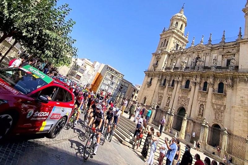La salida de la etapa 12 de La Vuelta supondrá para Jaén «una importante inyección económica»
