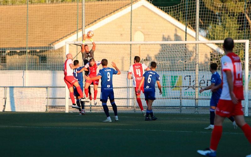 El Marbella se lleva los tres puntos frente al CD Torreperogil