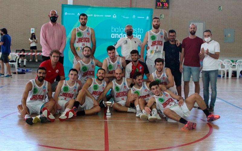 Jaén CB alza el trofeo de campeón de la Copa Delegación 2021