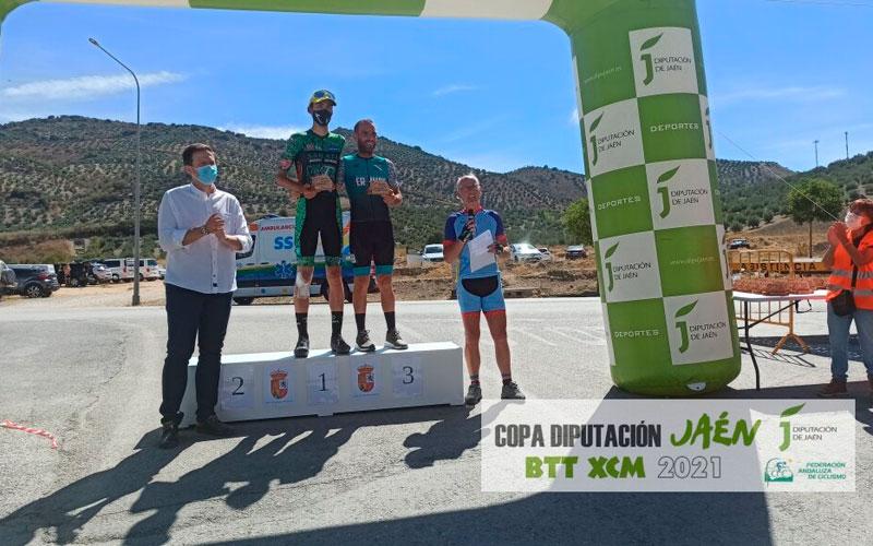 Ignacio Rodríguez e Isabel Peña, ganadores de la I Maratón en BTT La Sierra